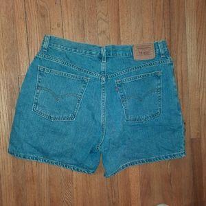 Levis vintage jean shorts size 14